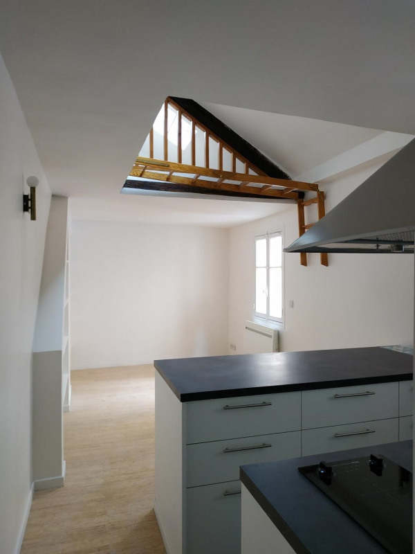 Location appartement Paris 3ème 1068€ CC - Photo 1