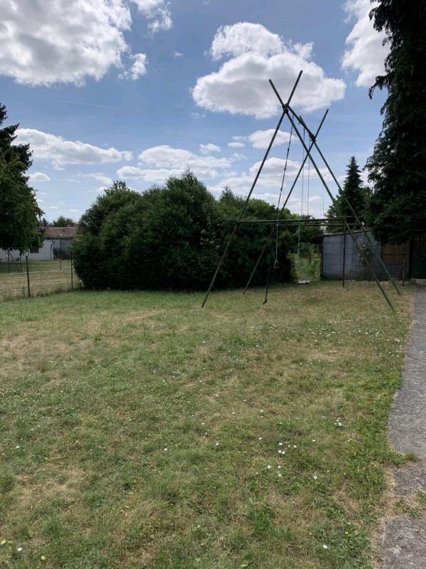 Sale site Neuilly en thelle 89000€ - Picture 1