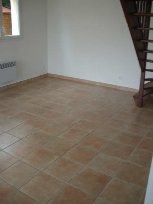 Location maison / villa Creances 550€ CC - Photo 3