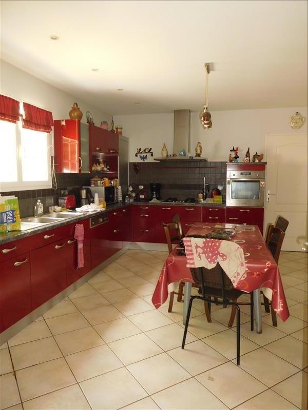 Location maison / villa St andre de cubzac 1037€ CC - Photo 4