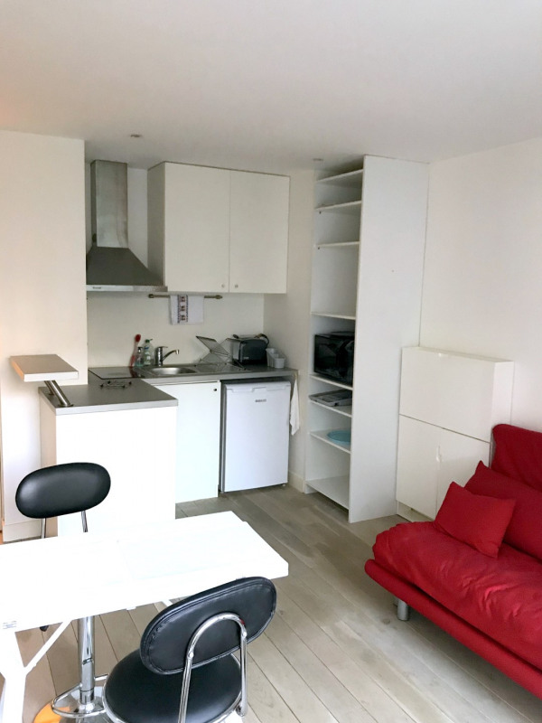 Location appartement Paris 15ème 780€ CC - Photo 3