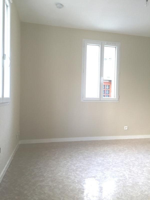 Verhuren  appartement Surgeres 350€ CC - Foto 1
