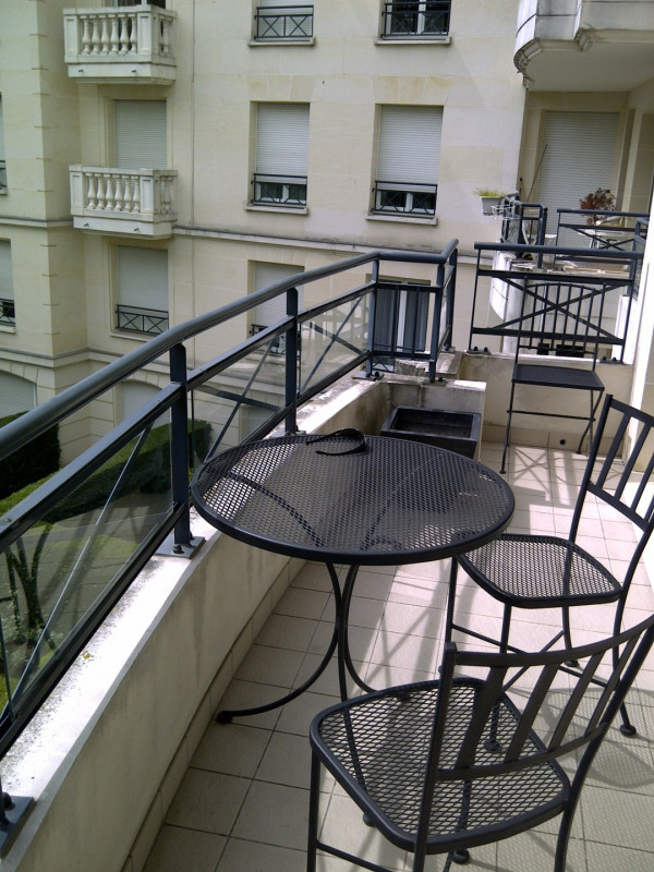 Location appartement Le plessis-robinson 1 950€ CC - Photo 3