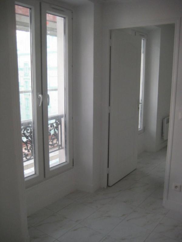 Location appartement Paris 18ème 900€ CC - Photo 3