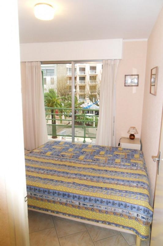 Location vacances appartement Cavalaire sur mer 680€ - Photo 9