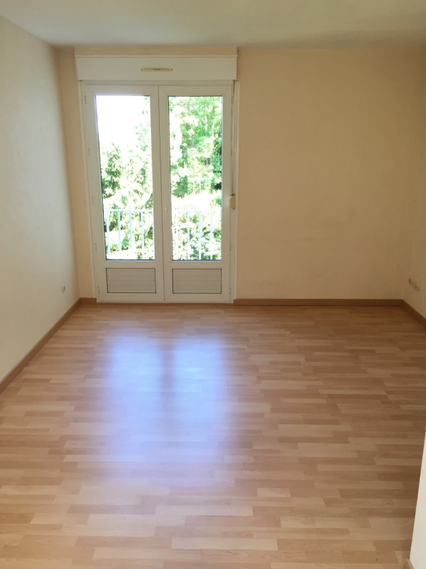 Location appartement Méry-sur-oise 578€ CC - Photo 2