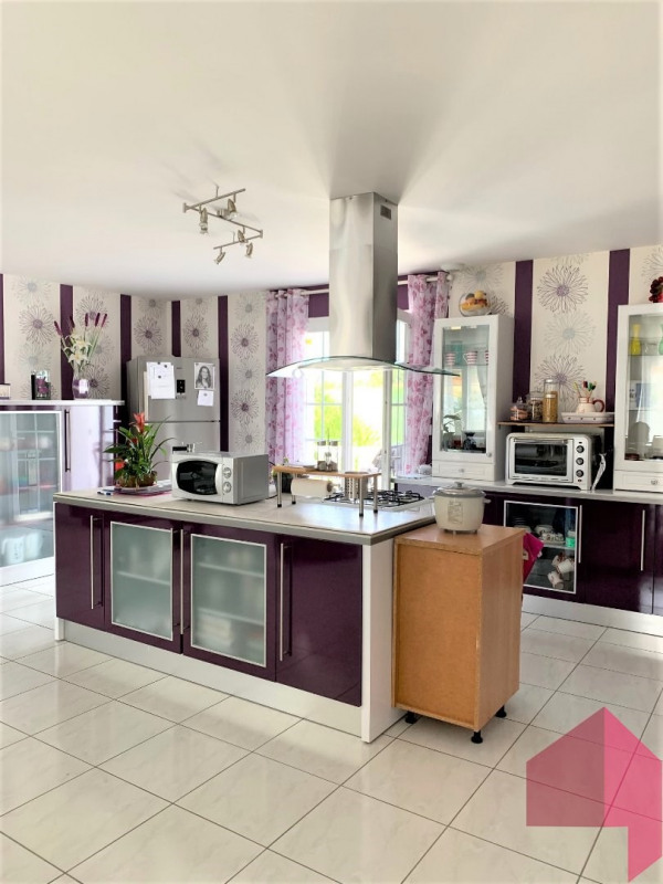 Sale house / villa Revel 230000€ - Picture 2
