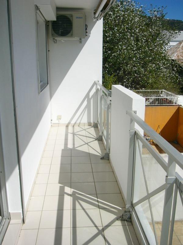 Rental apartment St denis 605€ CC - Picture 7