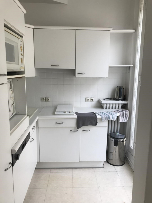 Location appartement Paris 9ème 2 600€ CC - Photo 10
