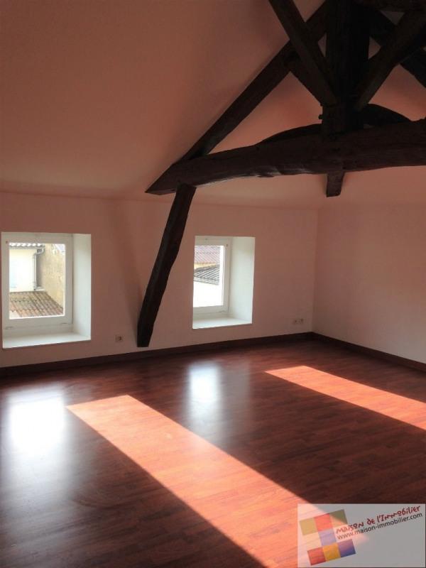 Location maison / villa Burie 437€ CC - Photo 6