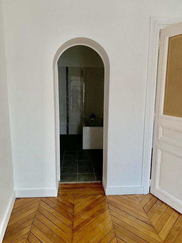 Rental apartment Paris 11ème 4620€ CC - Picture 5