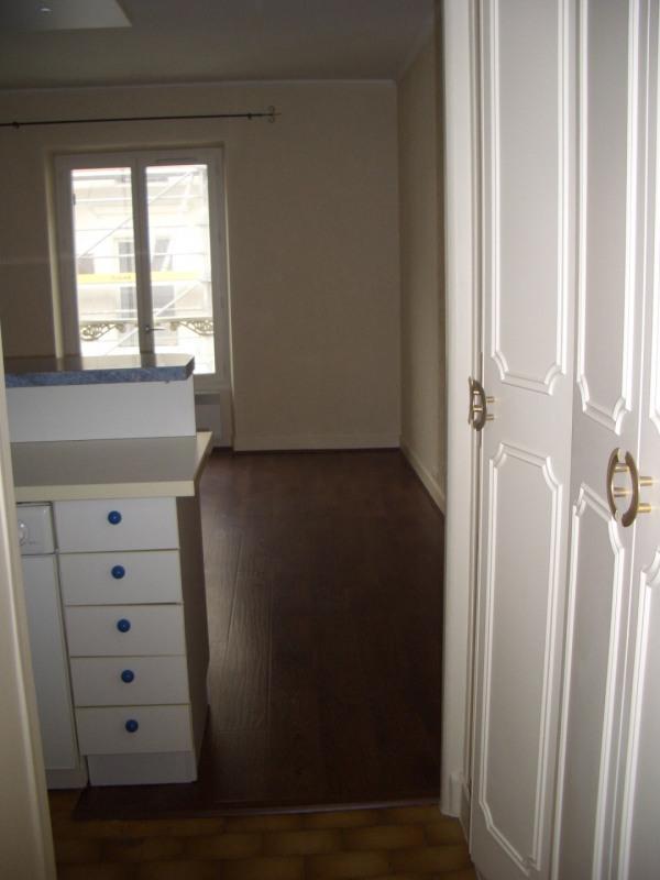 Location appartement Paris 8ème 1400€ CC - Photo 1