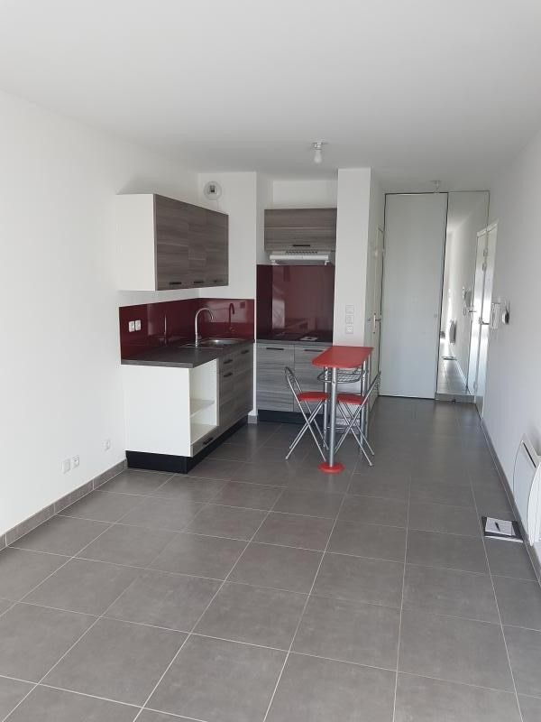 Location appartement Salon de provence 530€ CC - Photo 3