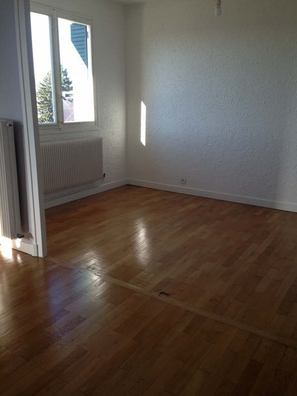 Rental apartment Voiron 601€ CC - Picture 2