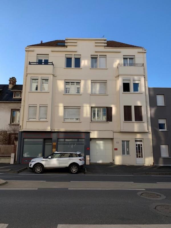 Sale apartment Caen 111000€ - Picture 2