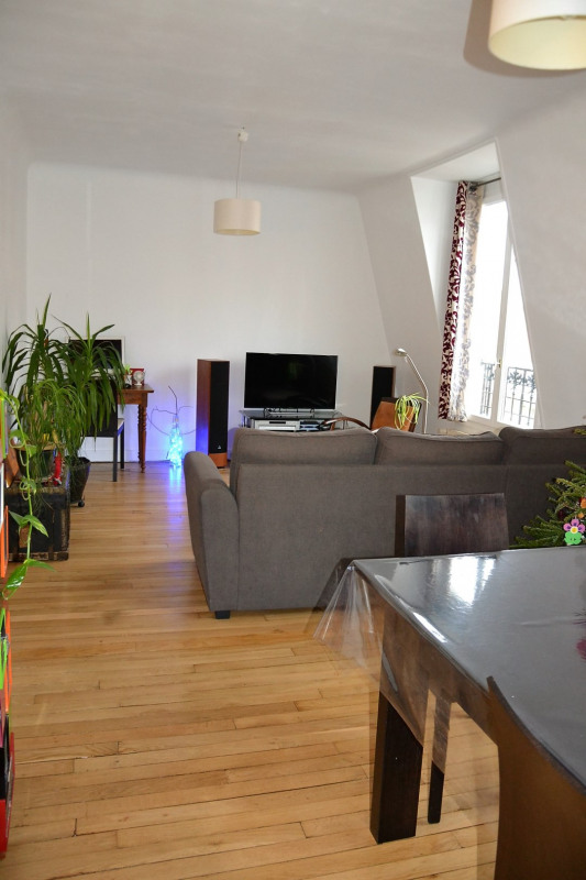 Sale apartment Colombes 380000€ - Picture 1