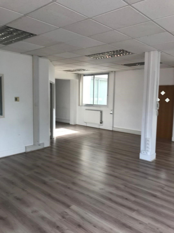 Location bureau Chatou 1 885€ HT/HC - Photo 4