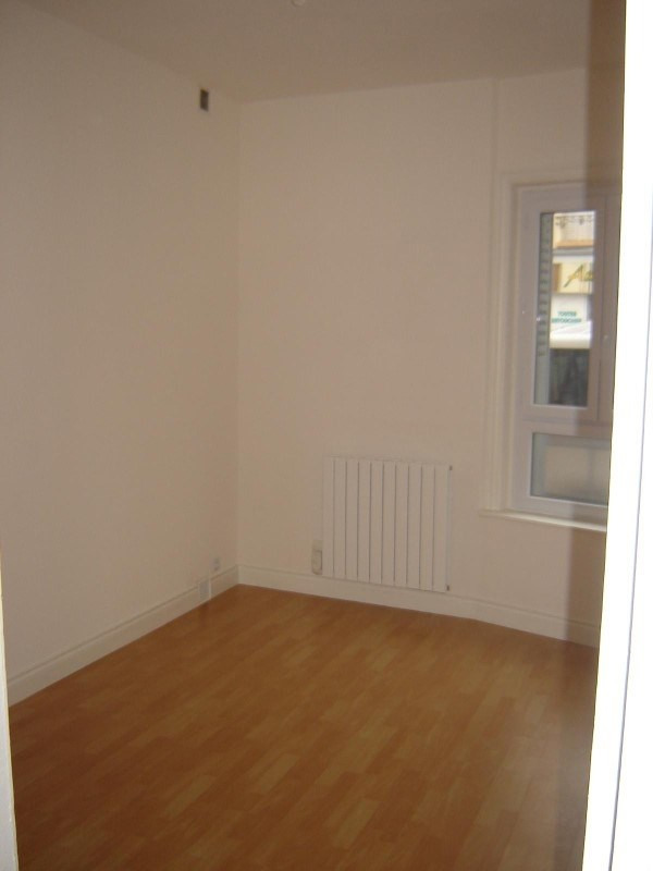 Location appartement Roanne 305€ CC - Photo 3
