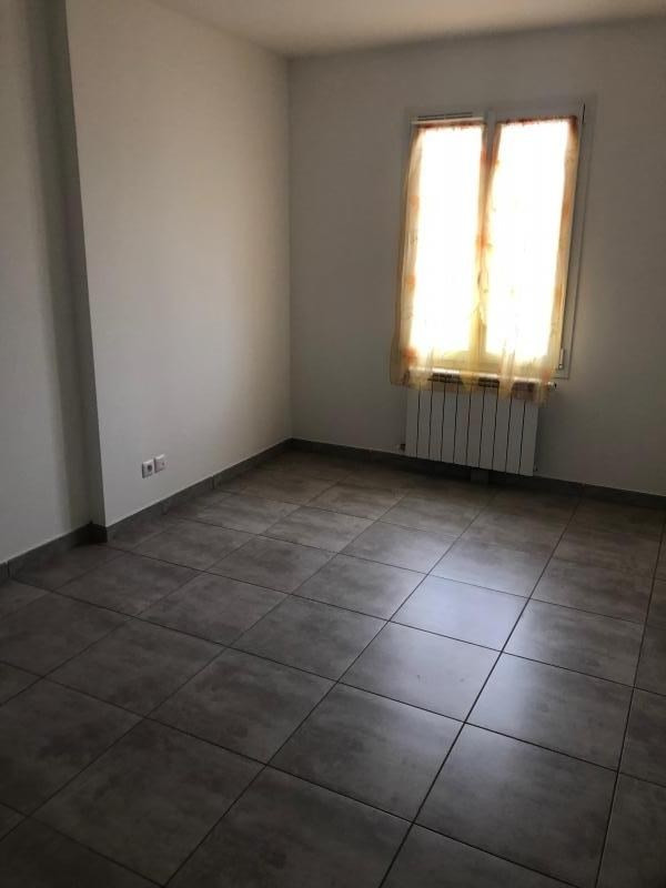 Deluxe sale apartment La crau 255 000€ - Picture 8