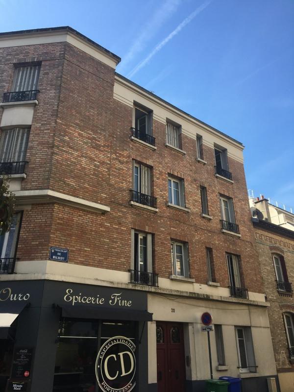 Rental apartment Asnieres sur seine 940€ CC - Picture 1