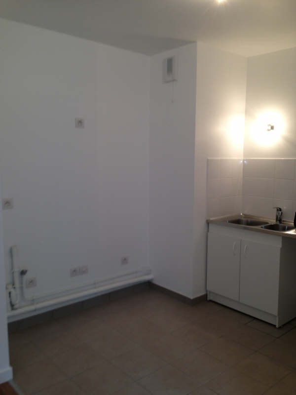 Rental apartment Montreuil 805€ CC - Picture 2