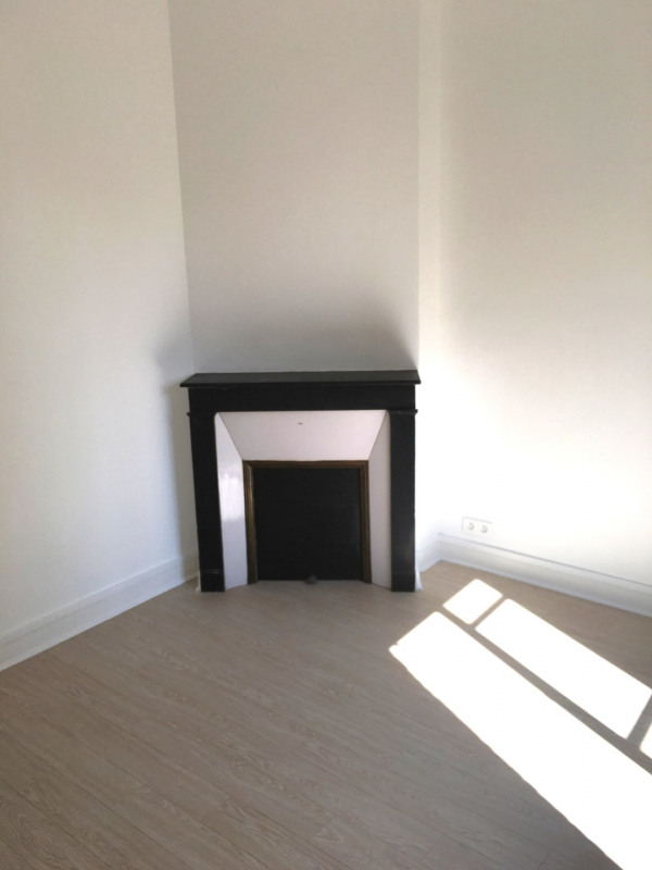 Rental apartment Montreuil 903€ CC - Picture 2