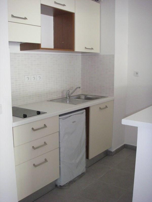 Location appartement St denis 589€ CC - Photo 3