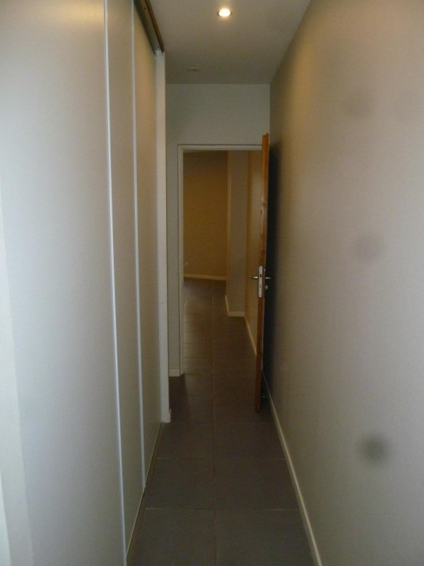 Location appartement Oullins 587€ CC - Photo 5