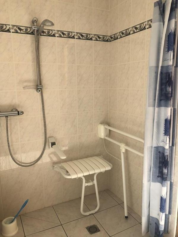 Sale house / villa Quincampoix 179000€ - Picture 5