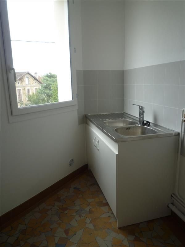 Rental apartment Villemomble 860€ CC - Picture 3