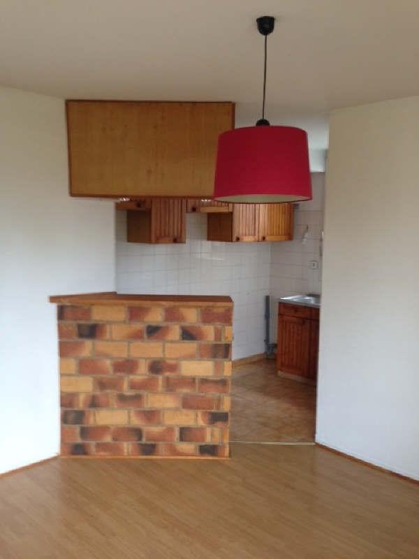 Rental apartment Poissy 703€ CC - Picture 2