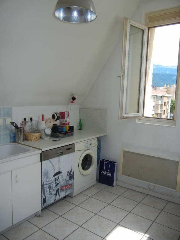 Rental apartment Voiron 543€ CC - Picture 4