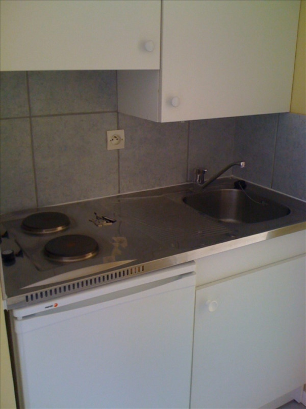 Rental apartment Castillon la bataille 300€ CC - Picture 2