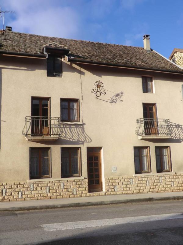 Vente maison / villa Trept 162750€ - Photo 1
