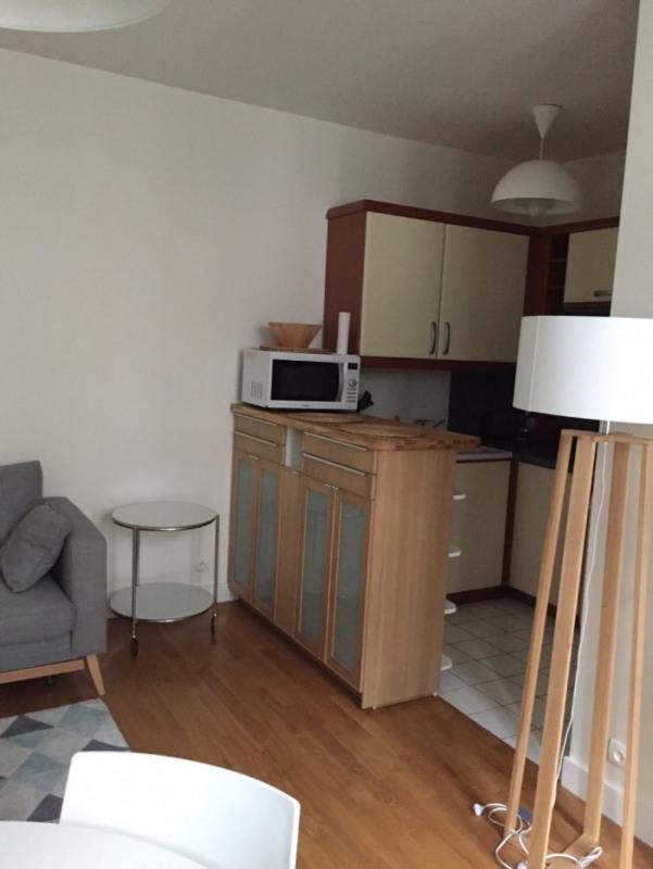 Location appartement Paris 8ème 1620€ CC - Photo 3