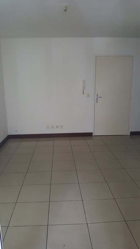 Location appartement Ste clotilde 425€ CC - Photo 2