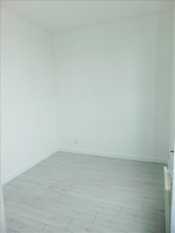 Rental apartment La plaine st denis 560€ CC - Picture 3