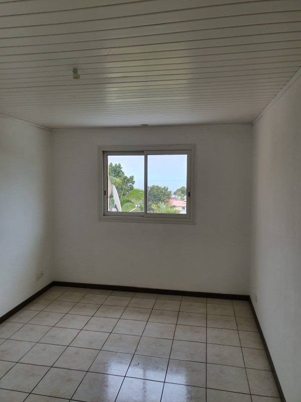 Location maison / villa Le tampon 800€ CC - Photo 7