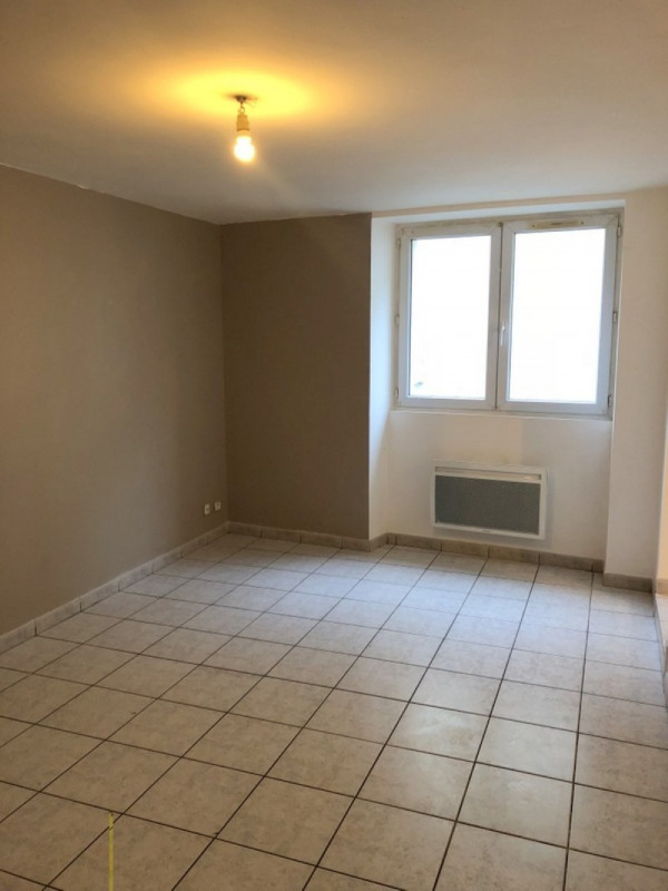 Location maison / villa Bassac 412€ CC - Photo 1