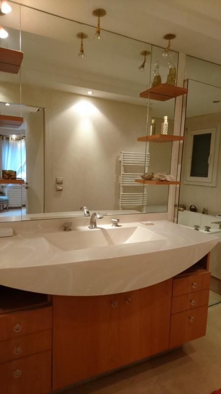 Deluxe sale apartment Gaillard 420000€ - Picture 4