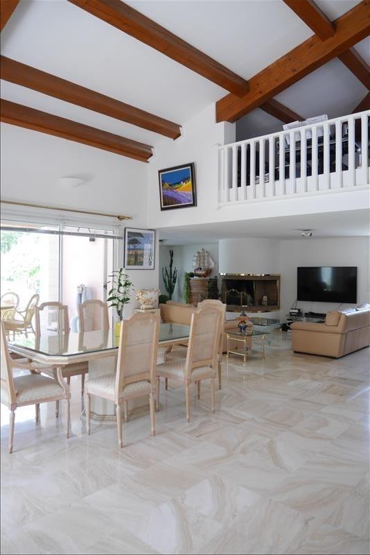 Deluxe sale house / villa Trets 699900€ - Picture 2