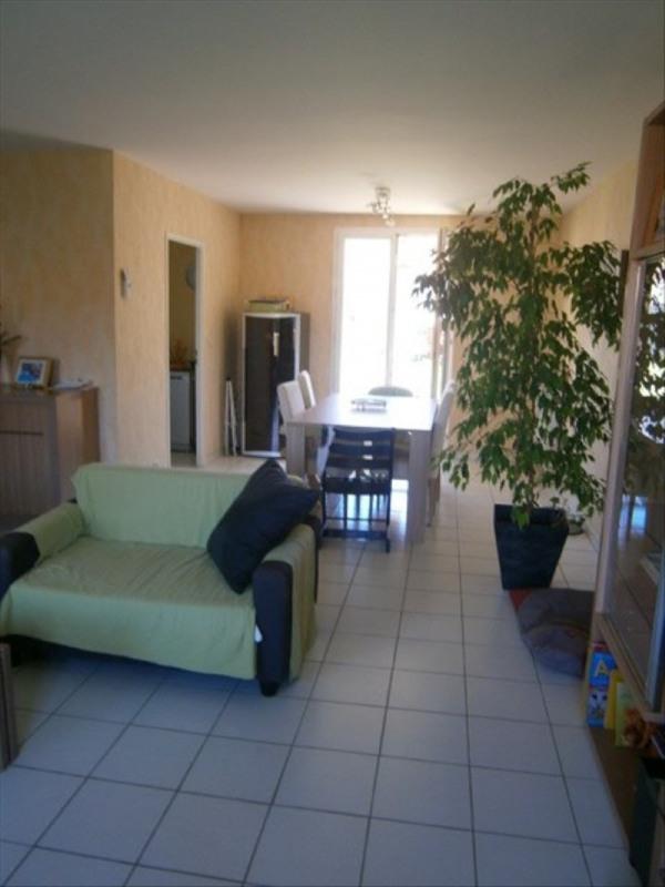 Location maison / villa Condat-sur-vienne 931€ CC - Photo 2