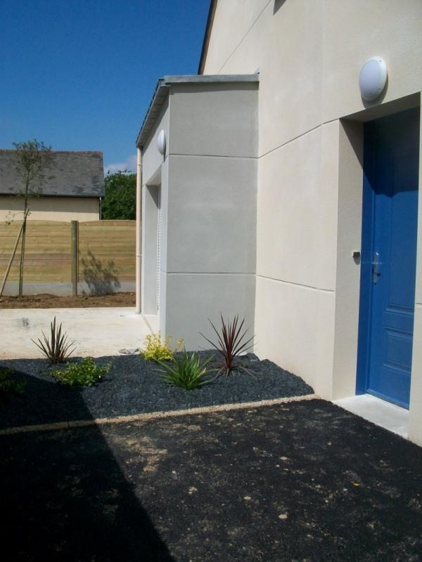 Location maison / villa St gregoire 950€ CC - Photo 2