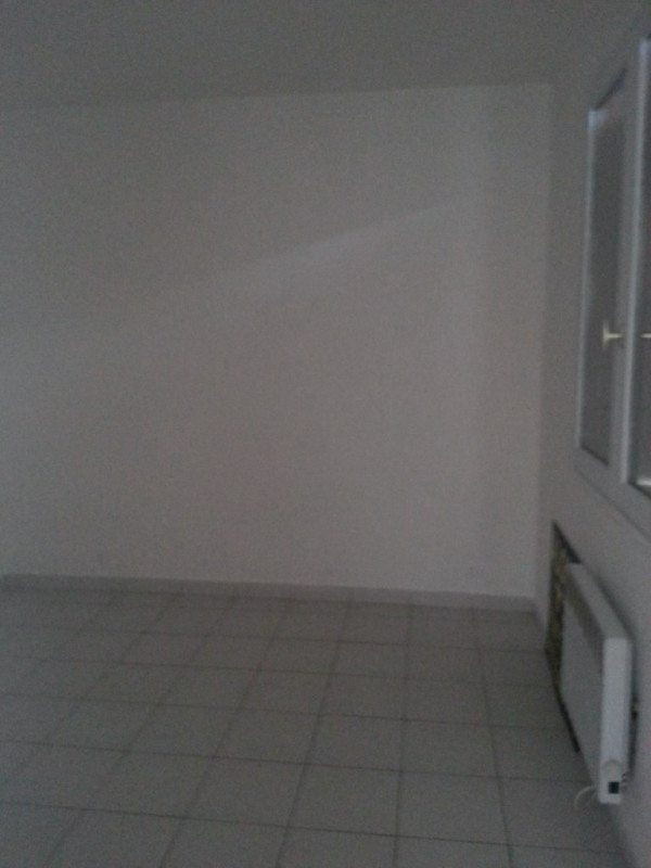 Location appartement Genas 647€ CC - Photo 4