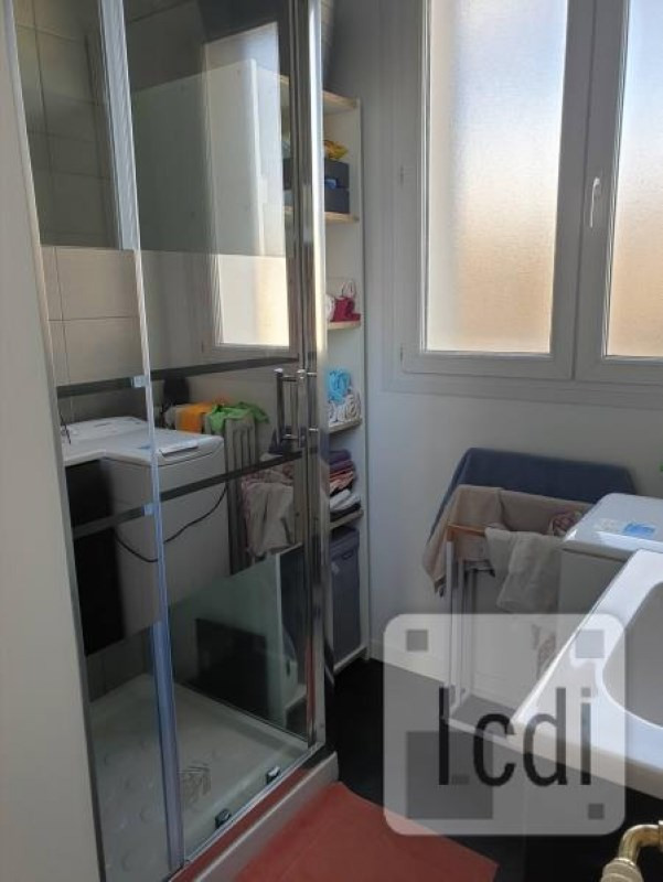Vente appartement Privas 90 000€ - Photo 3