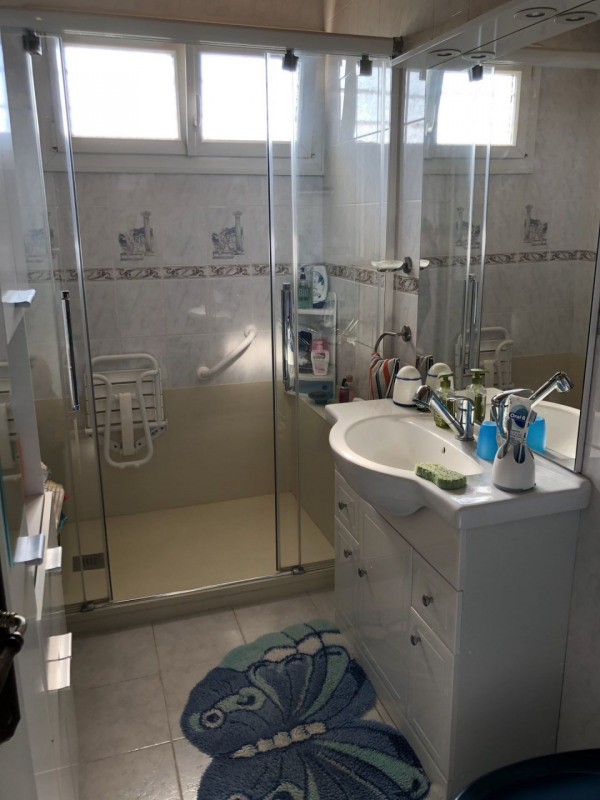 Sale house / villa Estrablin 262500€ - Picture 10