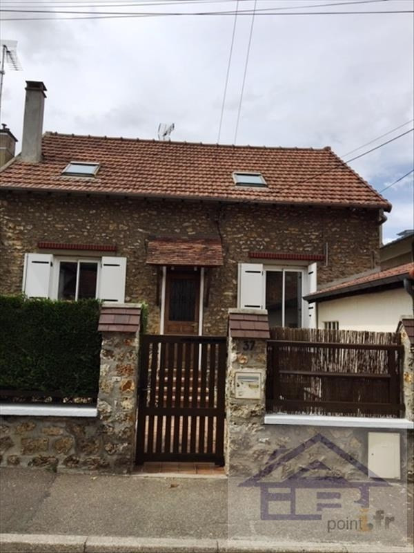 Rental house / villa Poissy 1 750€ CC - Picture 1