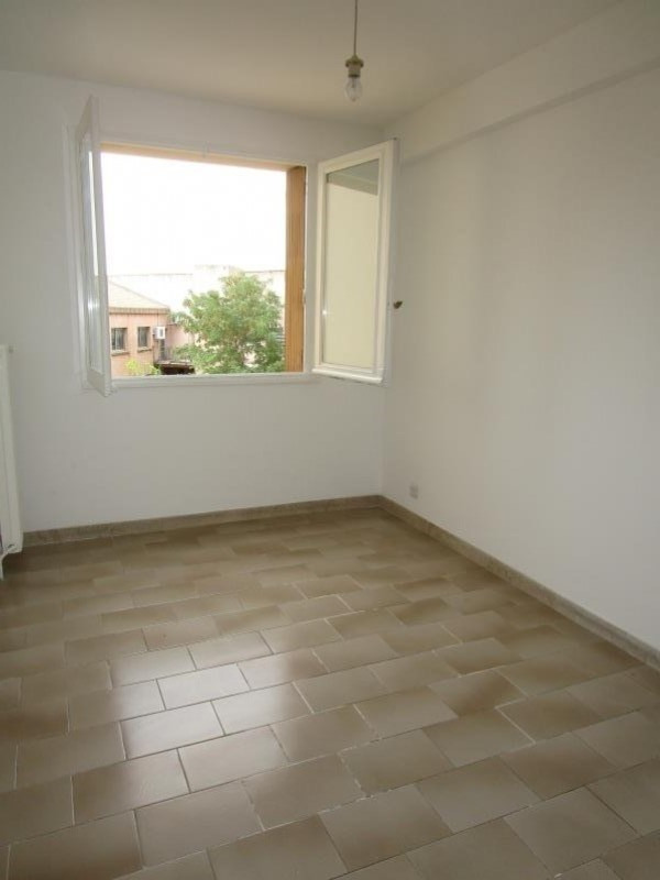 Rental apartment Nimes 680€ CC - Picture 5
