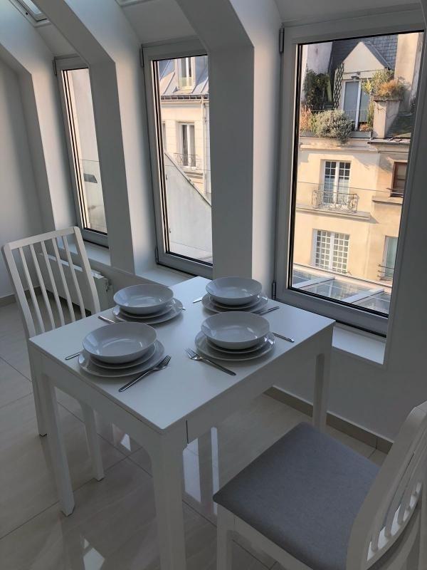 Sale apartment Paris 3ème 528000€ - Picture 2