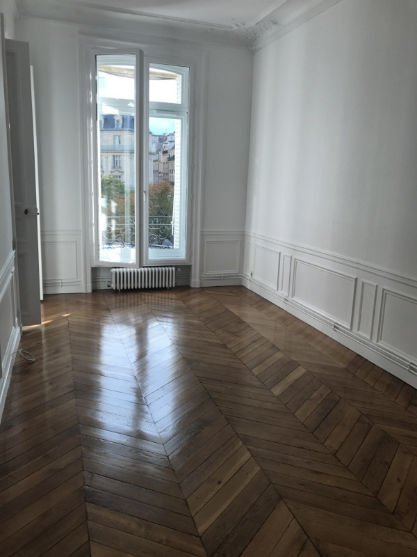 Rental apartment Paris 8ème 3 968€ CC - Picture 4